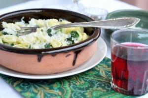Makaron z sosem szpinakowym i kozim serem