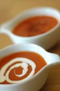 Zupa krem z grillowanej papryki i pomidorów