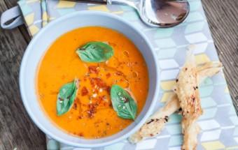 Sezonowa zupa ze  świeżych pomidorów (1)