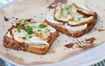 grzanki z kozim serem i prawdziwkami (3)