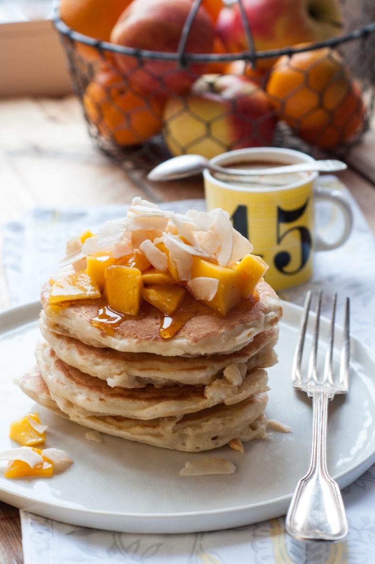 Placuszki z wiórkami i mlekiem kokosowym (kokosowe pancakes) (1)