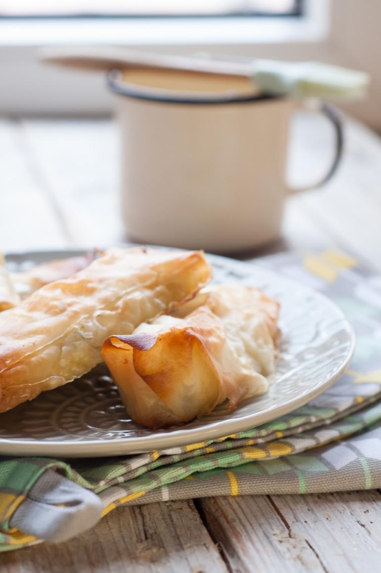 wytrawne paluszki z ciasta filo z rukolą (7)