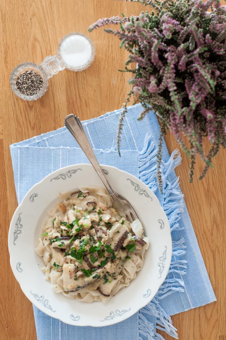 makaron z sosem grzybowym (2)