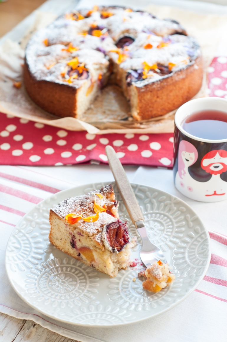 orzechowe ciasto ze śliwkami (1)