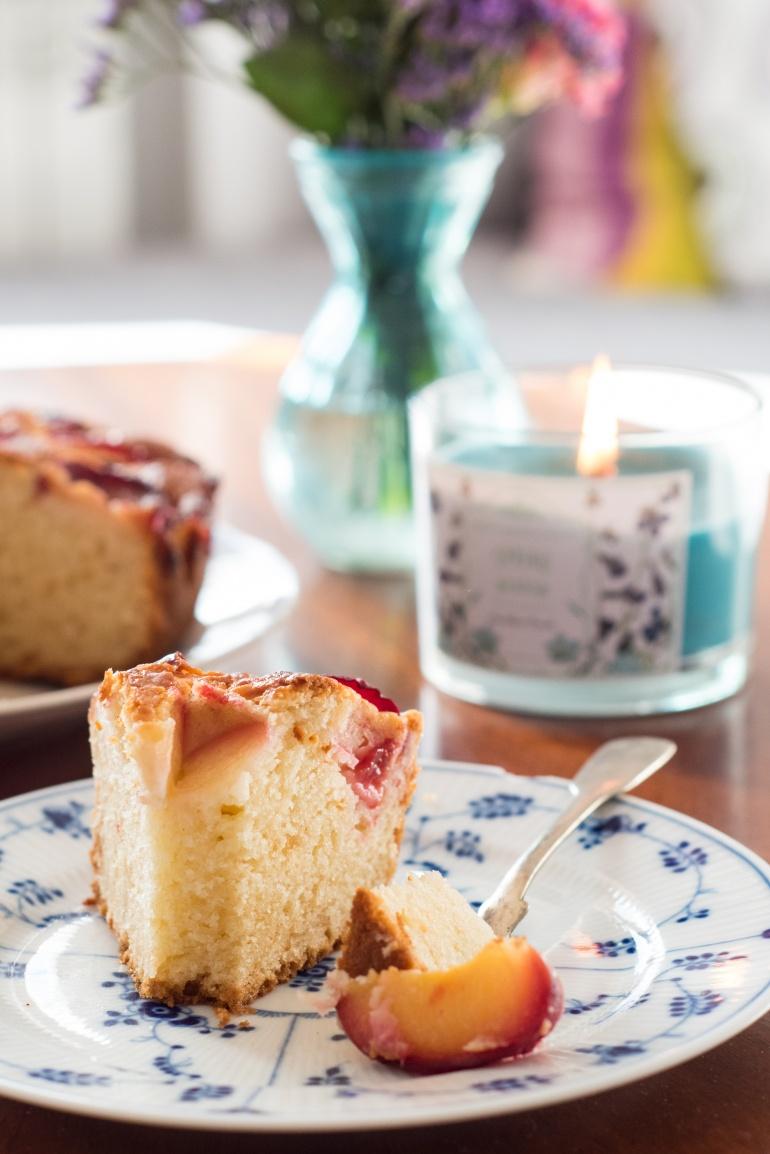 jogurtowe ciasto ze śliwkami (6)