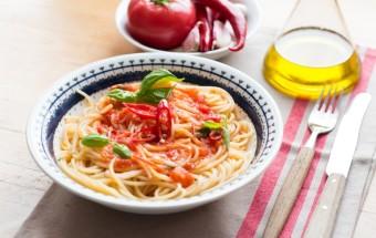 makaron ze swieżymi pomidormai (5)