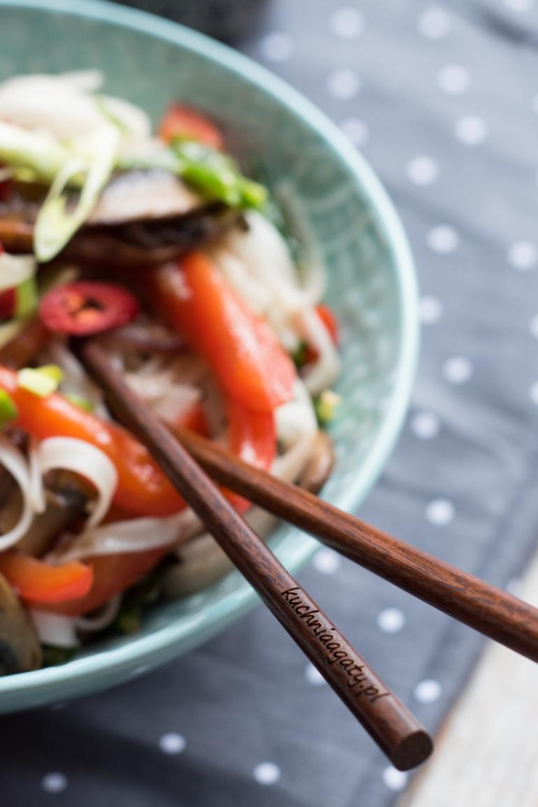 makaron ryżowy z piecarkami portobello (21)