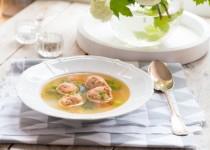 Lekka zupa warzywna z rybnymi pulpecikami