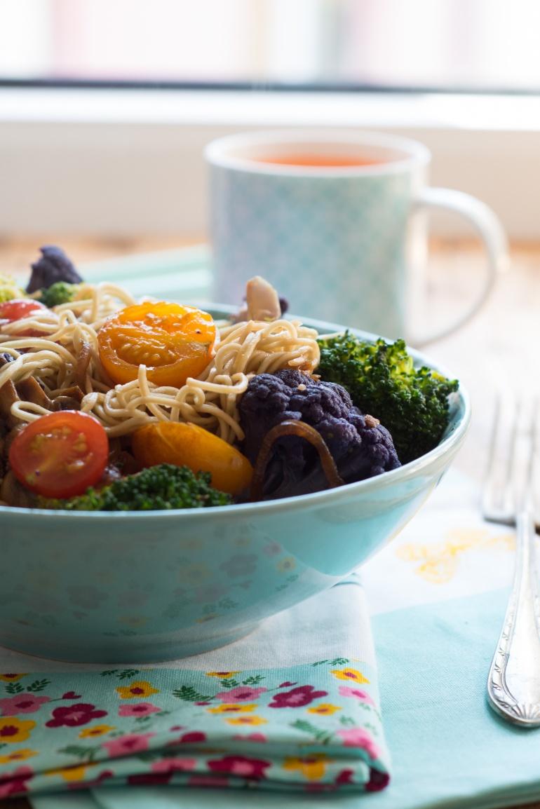 kolorowy makaron z warzywami (3)