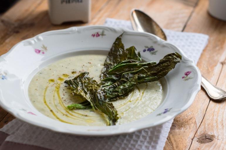 zupa-z-pieczonego-kalafiora-i-cukinii-2