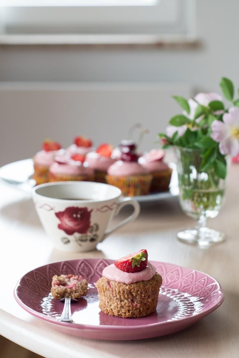 pełnoziarniste babeczki z truskawkami kuchnia agaty (2)
