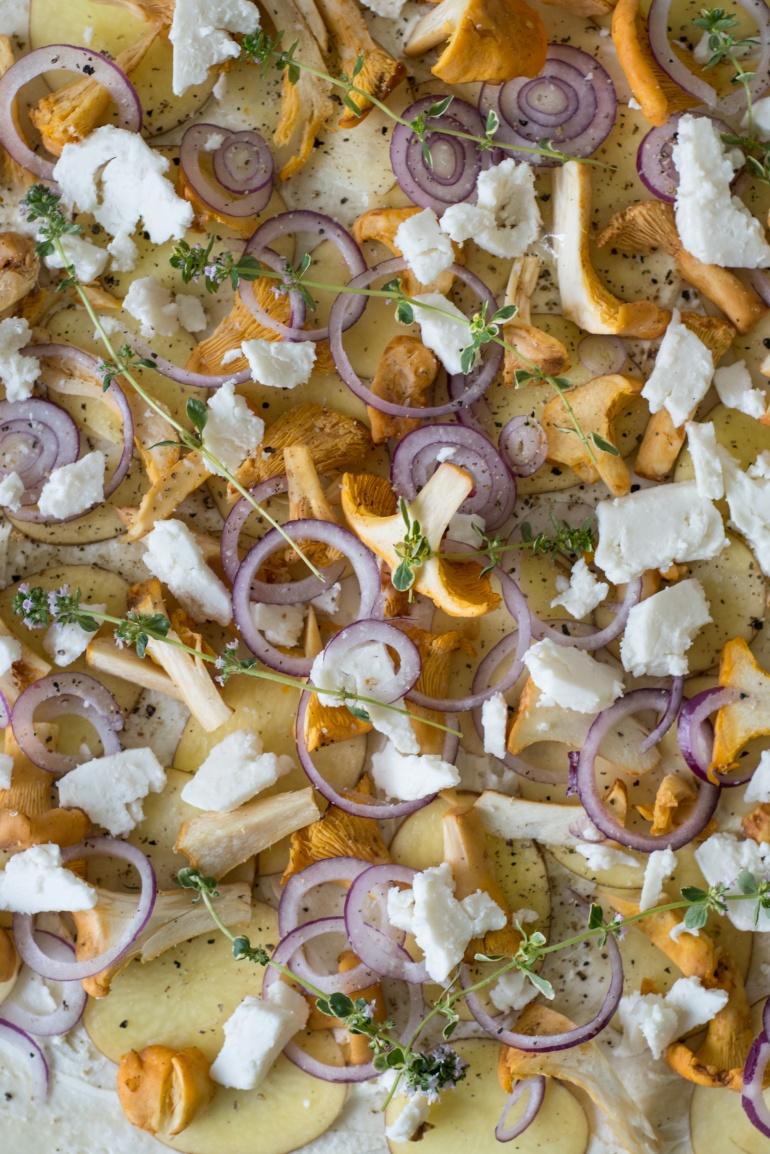 pizza z młodymi ziemniakami i kozim serem kuchnia agaty (3)