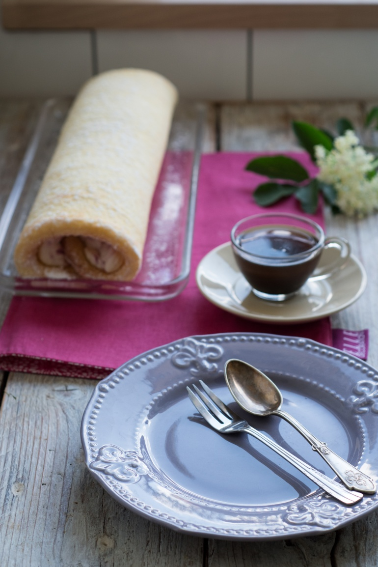 rolada z malinami i kremem mascarpone kucnia agaty (1)