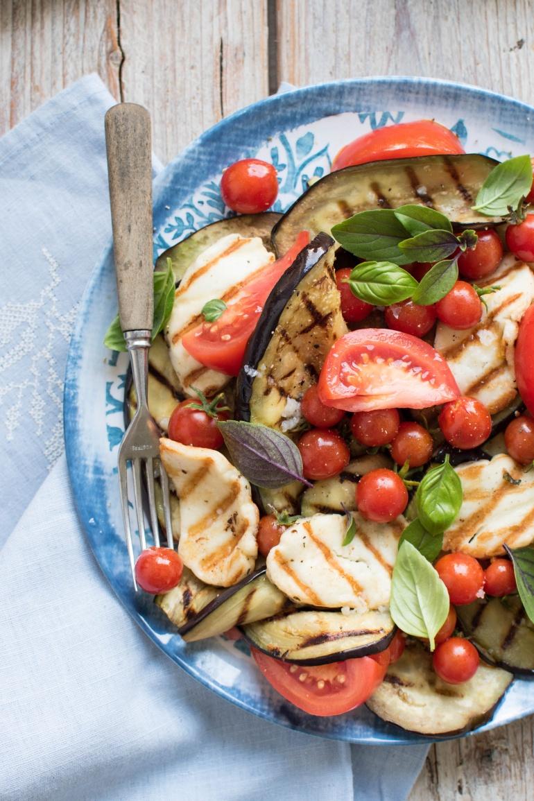 Salatka Z Grillowanym Baklazanem I Serem Halloumi Kuchnia Agaty