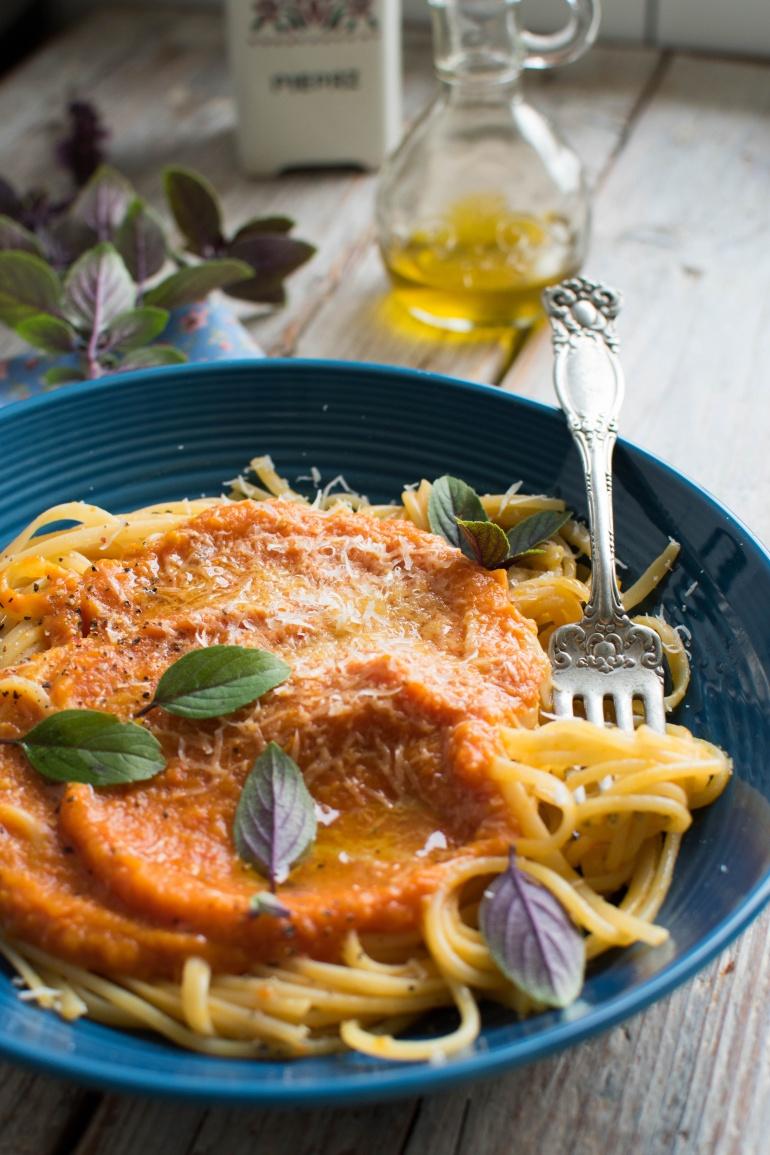 sos z pieczonej dyni i pomidorów kuchnia agaty (2)