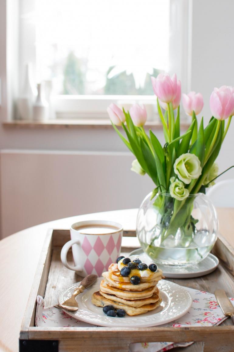 jogurtowe pankejki z borówkami i bananami kuchnia agaty (2)