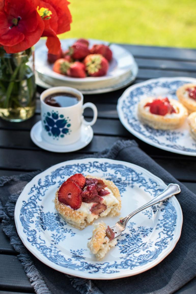 łatwe Ciastka Francuskie Z Kremem Budyniowym I Owocami