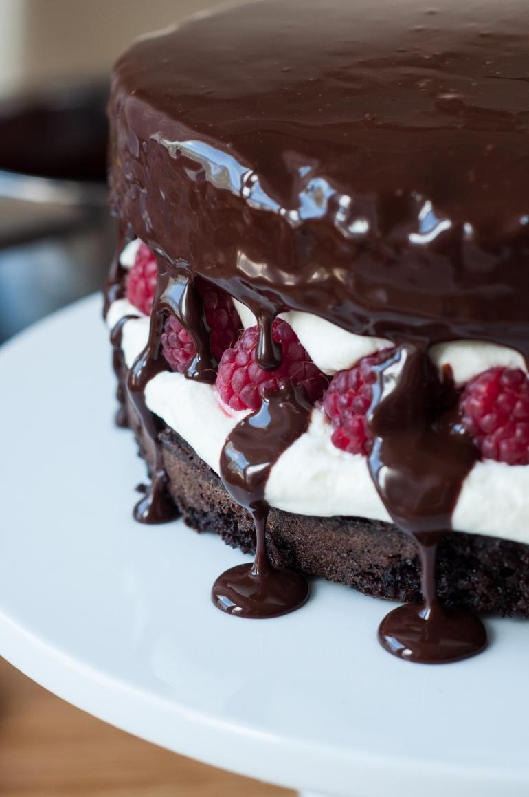 czekoladowy torcik z malinami (6)