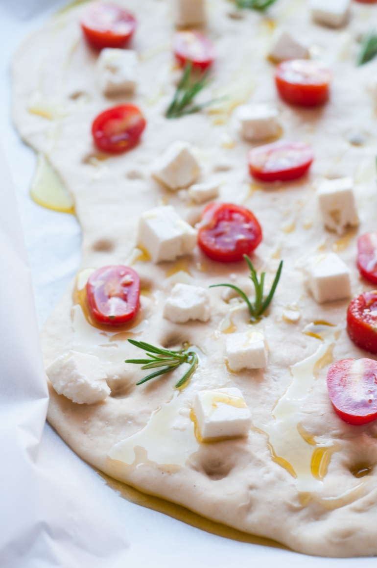 foccacia z fetą i pomidorkami (4)