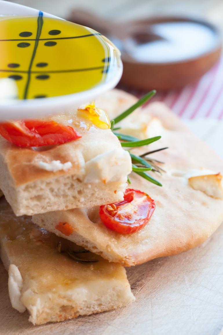 foccacia z fetą i pomidorkami (8)