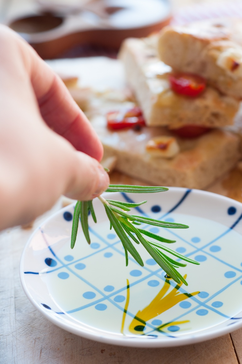foccacia z fetą i pomidorkami (9)