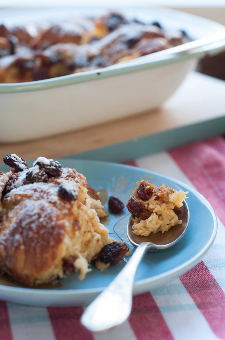 Karmelowy pudding z croissantami