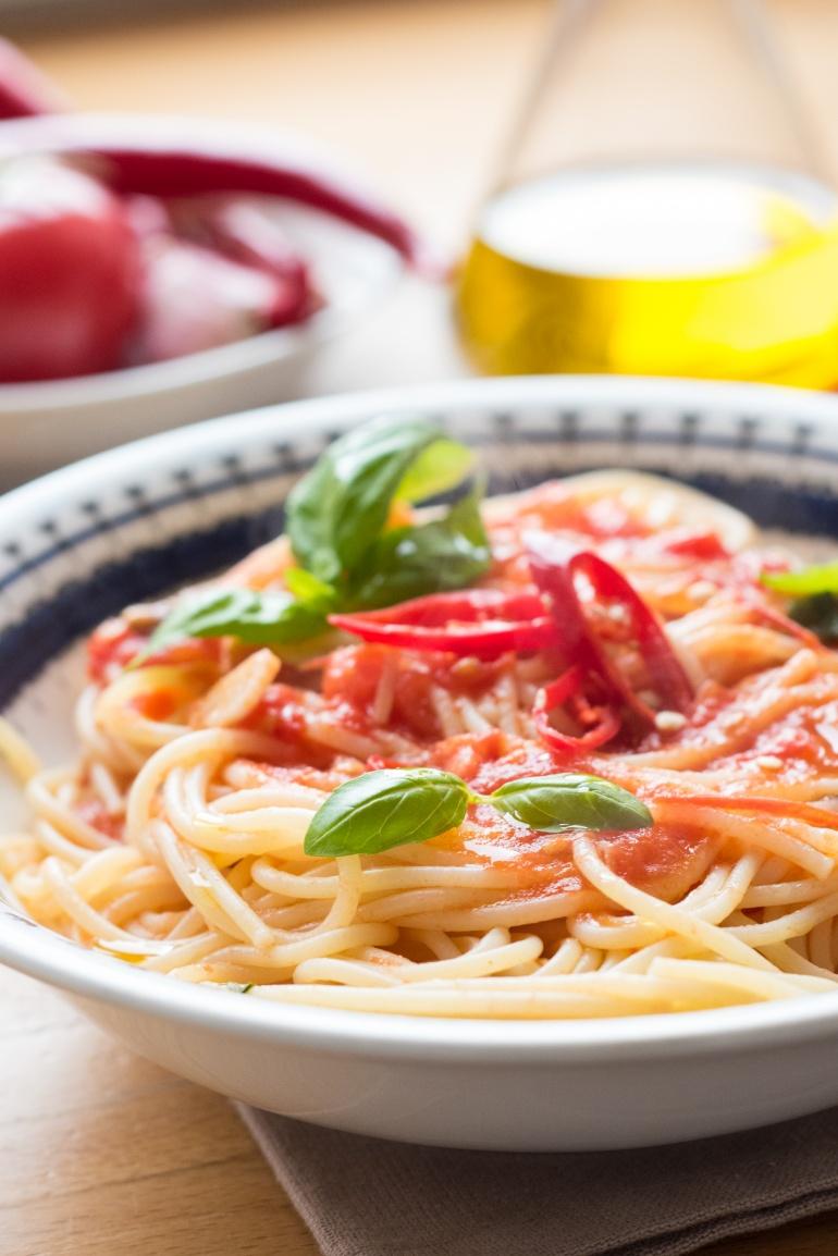 makaron ze swieżymi pomidormai (4)