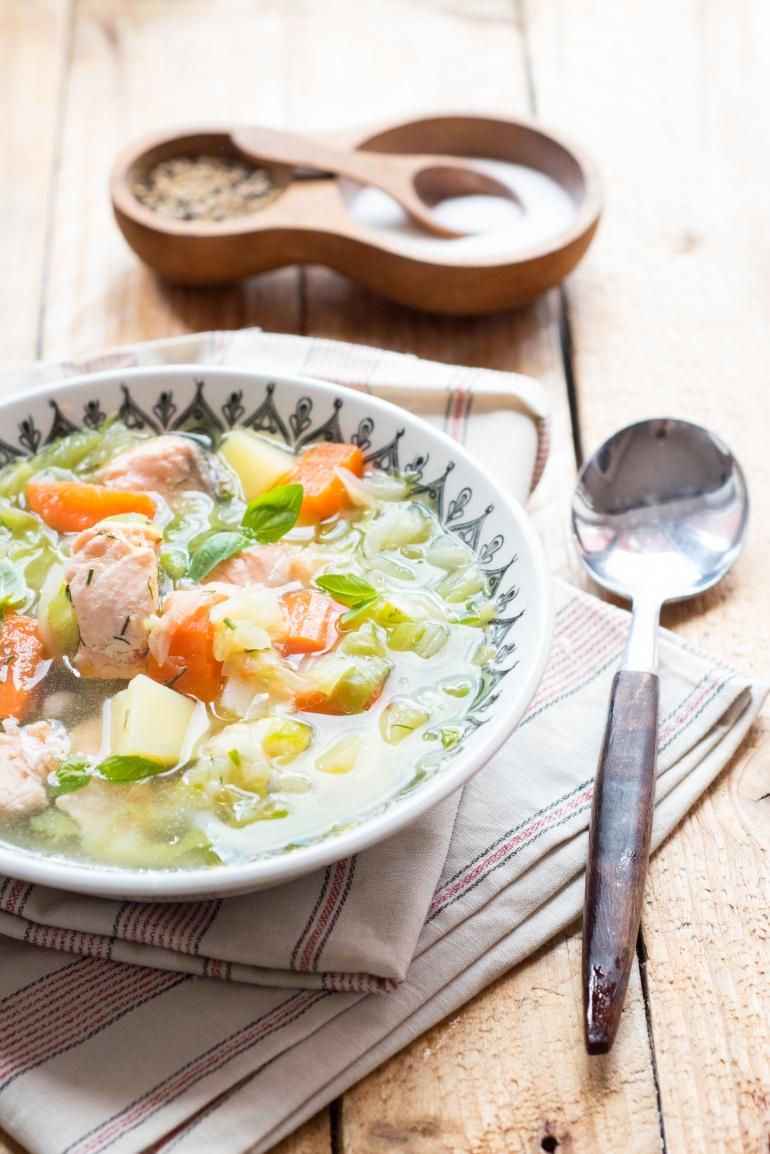 zupa z młodej kapusty z łososiem (1)