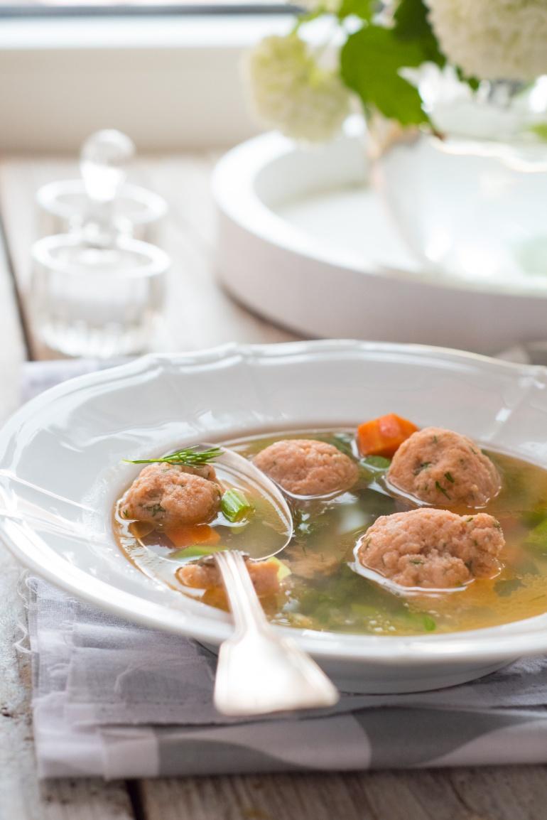 zupa warzywna z pulpetami rybnymi (1)