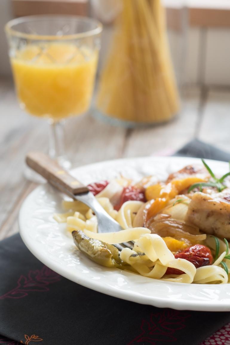 makaron z kurczakiem i warzywami (7)
