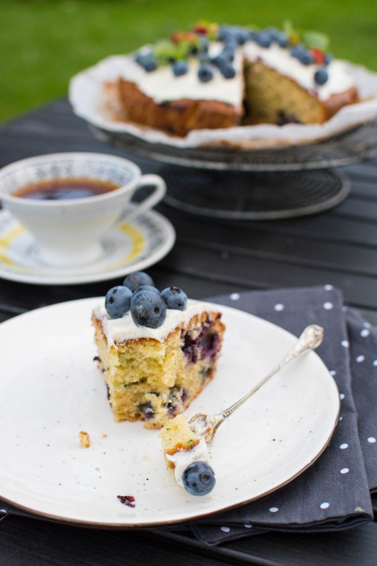 ciasto z cukinii z borówkami kuchnia agaty (1)