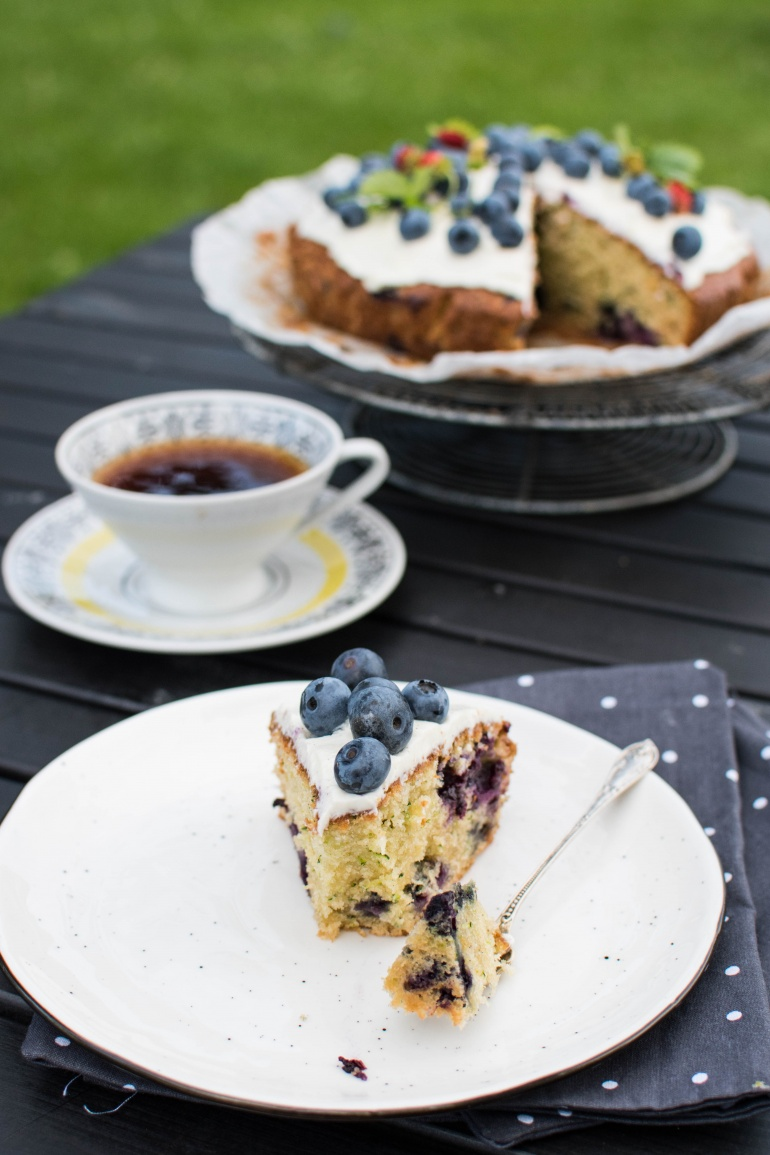 ciasto z cukinii z borówkami kuchnia agaty (5)