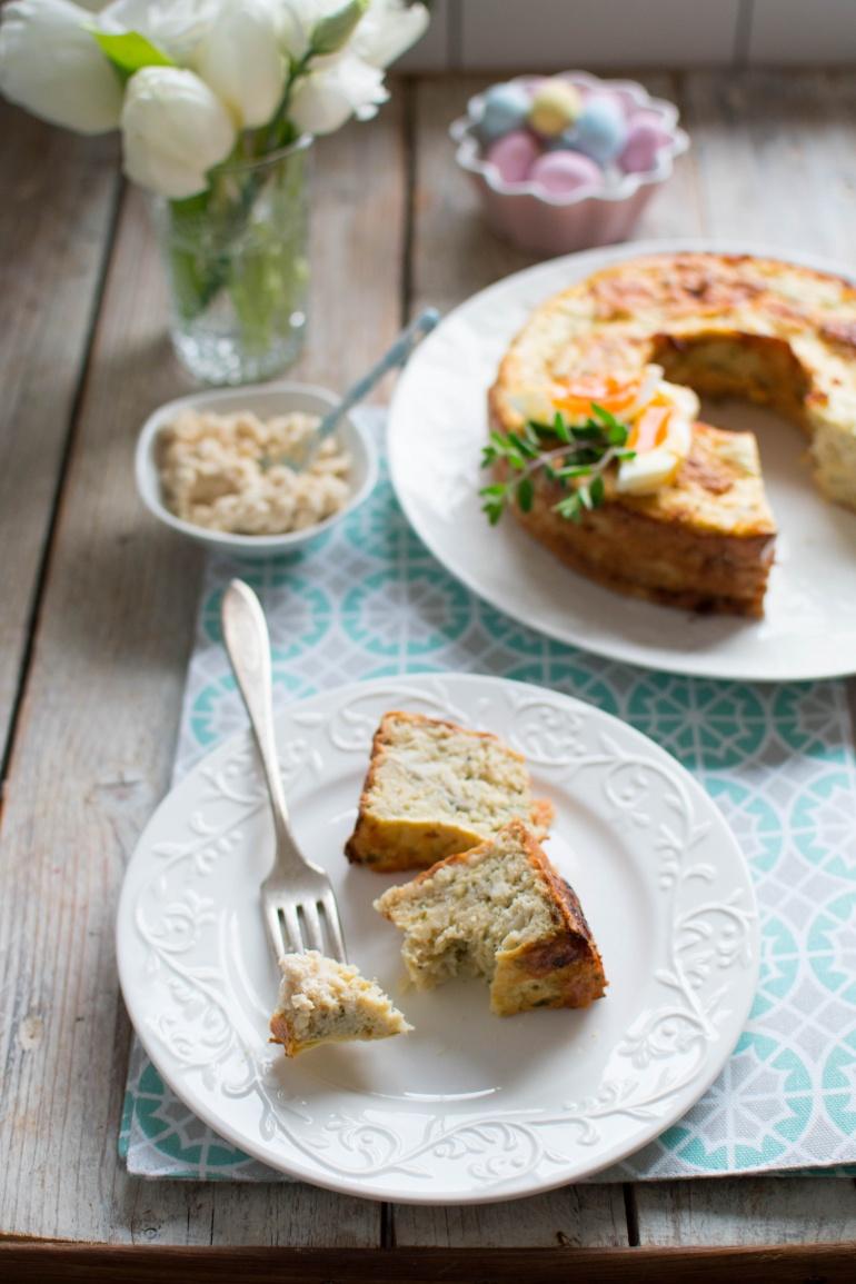Wielkanocny pasztat rybny na talerzu