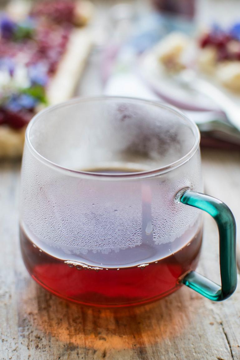 szklanka gorącej herbaty