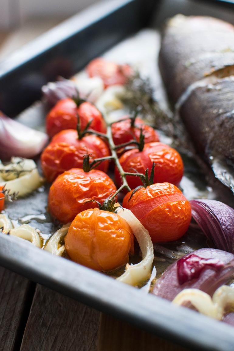 Ryba z pieczonymi warzywami