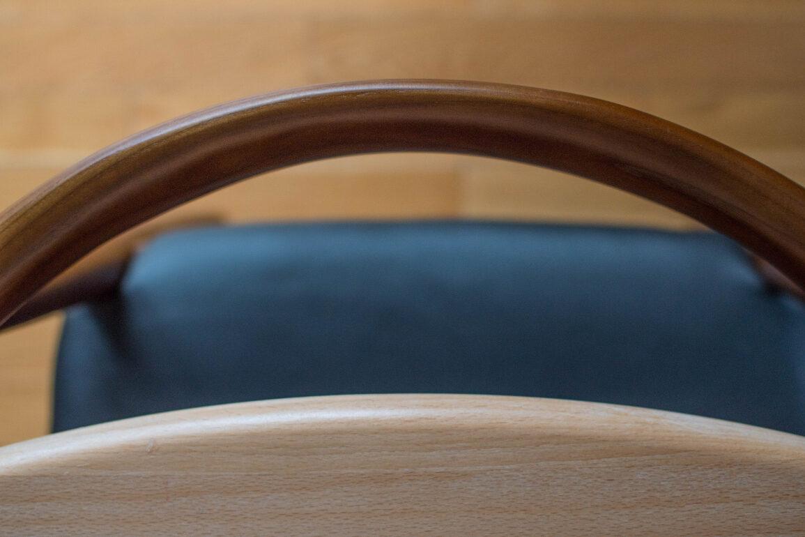 drewnane krzesła mid century