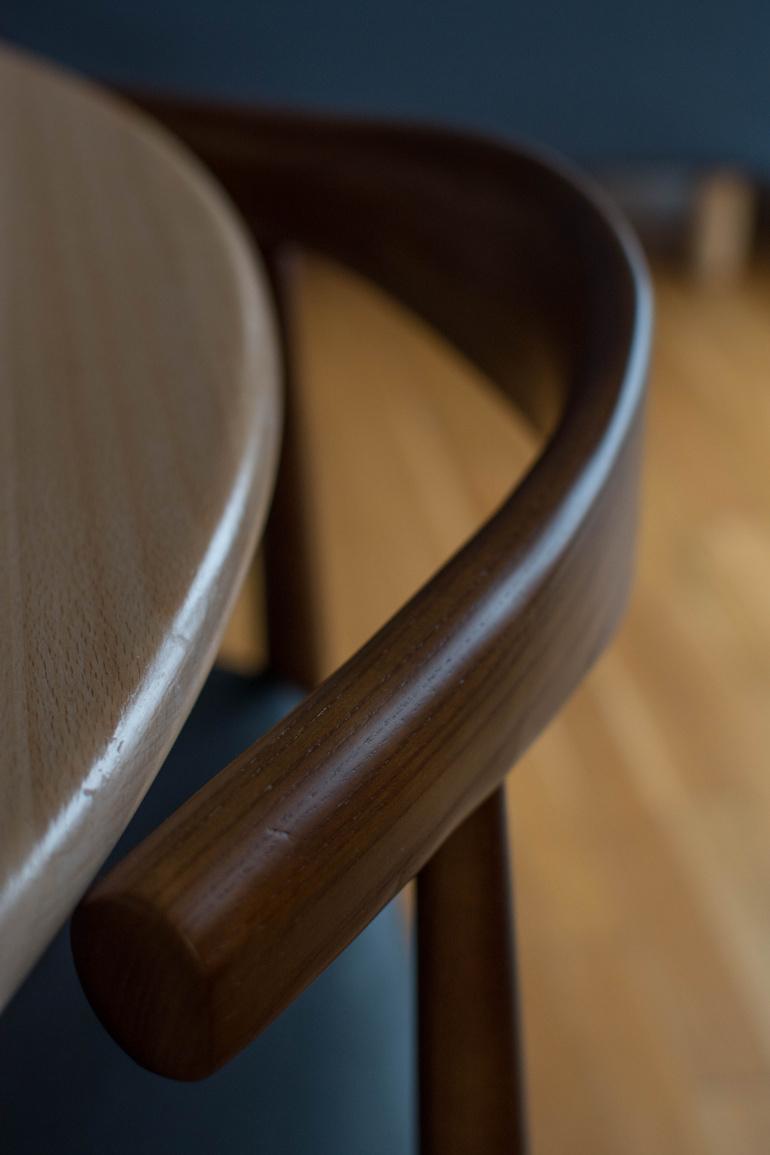 gięte krzesła mid century
