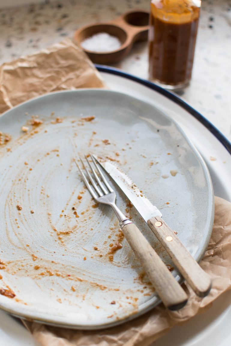 pusty talerz po wołowinie