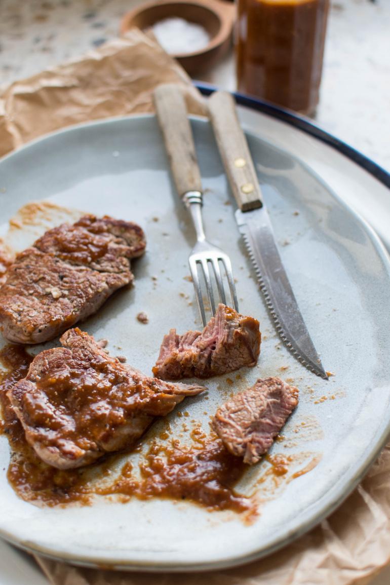 steki wołowe w sosie