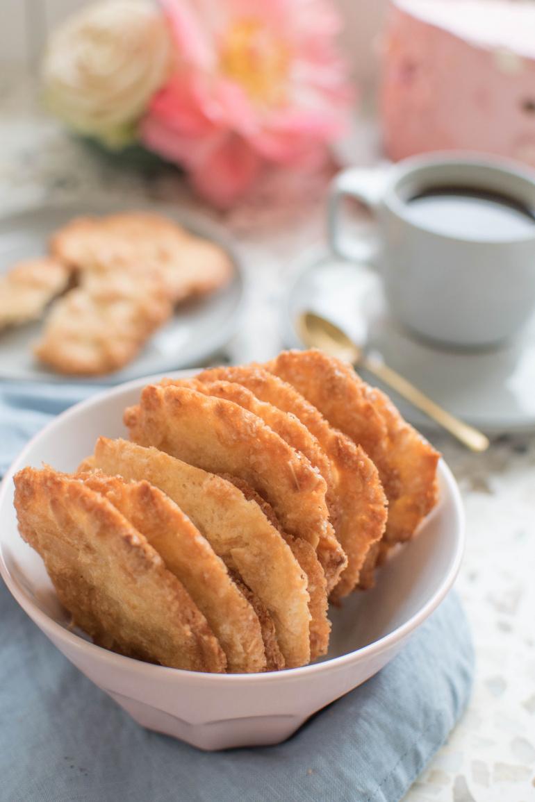 kokosowe ciasteczka dachówki z palonym masłem